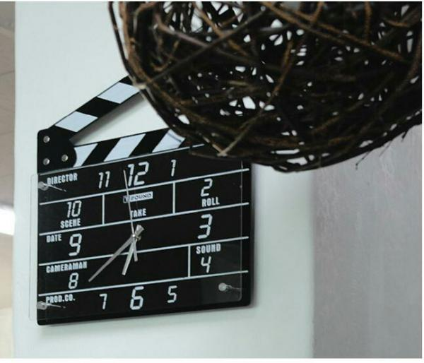 ساعت دیواری طرح ست فیلم-تصویر اصلی