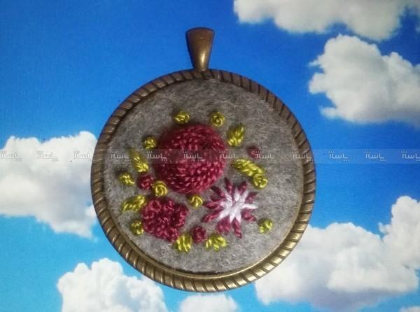 گرنبند گلدوزی-تصویر اصلی