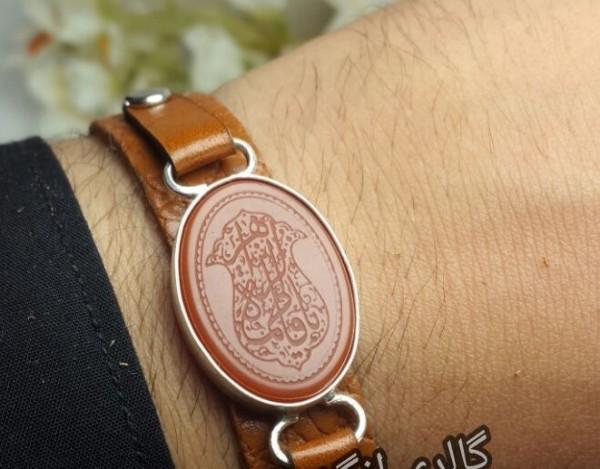 دستبندچرم طبیعی اصل عقیی سرخ وحکاکی-تصویر اصلی