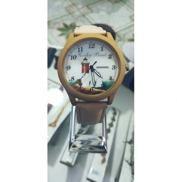 ساعت دخترانه-تصویر اصلی