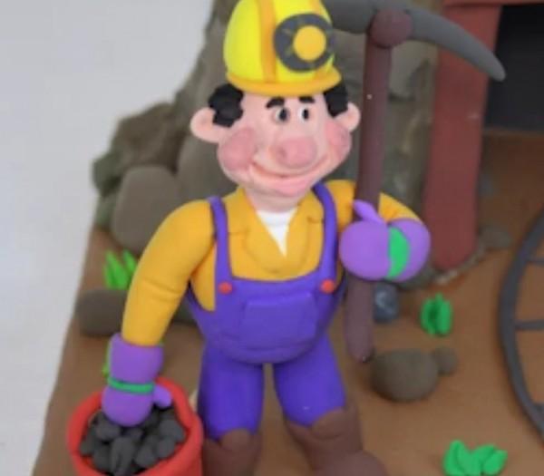 عروسک خمیری معدنچی-تصویر اصلی