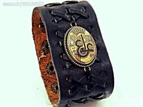 دستبند چرم اصل با نگین حدید صینی ع علی طلاکوبی-تصویر اصلی