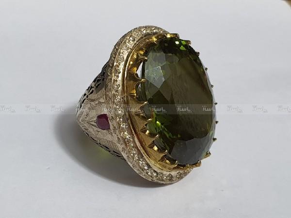 انگشتر نقره غولپیکر سلطنتی الکساندریت درجه ۱ با وزن ۲۵۰ قیراط-تصویر اصلی