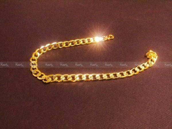 پابند زنجیری-تصویر اصلی