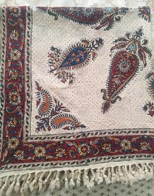 سفره، رومیزی قلمکاری اصفهان 80 در 80سانتی