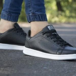 کفش کتانی adidas