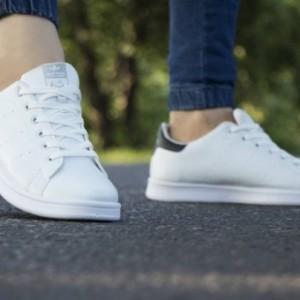 کفش کتانی adidad