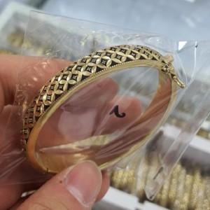 دستبند سیاه قلم طرح طلا