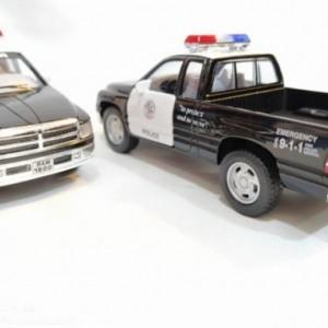ماشین اسباب بازیدوج (DODGE RAM BY KINSMART) پلیس-تصویر 4
