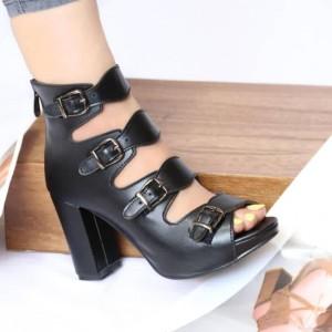 کفش چرم پاشنه دار