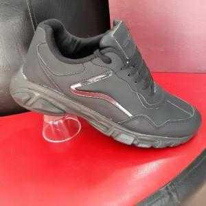 کفش مردانه کتونی