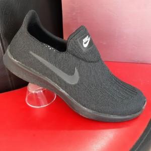 کفش مردانه پیاده روی