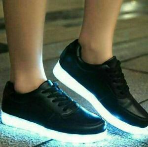 کفش Led