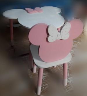 میز و صندلی میکی ماوس