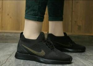 کفش کتانی ورزشی نایک