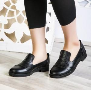 کفش کد ۸۲۱