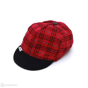 کلاه لبه دار راه راه