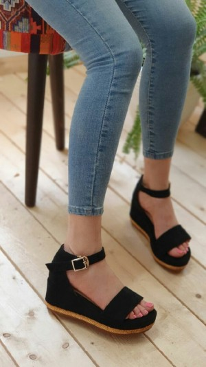 کفش ساناز