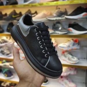 کفش کتانی مکوئین ۲۰۲۰ بلک لایت-تصویر 3