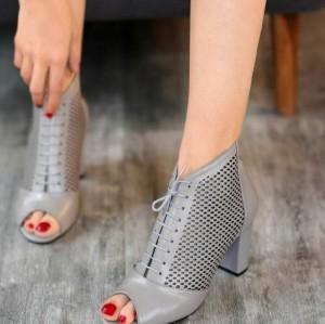 کفش کد ۴۰۱