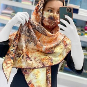 روسری با ماسک سنتی
