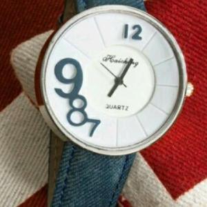 ساعت بند باریک زنانه