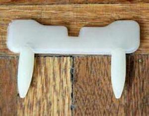 ابزار شوخی دندان شب نما خون اشام-تصویر 4