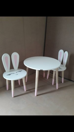 دوعدد صندلی خرگوشی با پلک و دهان و میز