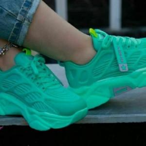 کفش کتانی اسپرت مدل تک ستاره