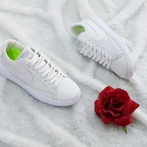 کفش کتانی نایک چرم سفید
