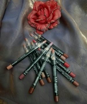 رژ لب مدادی