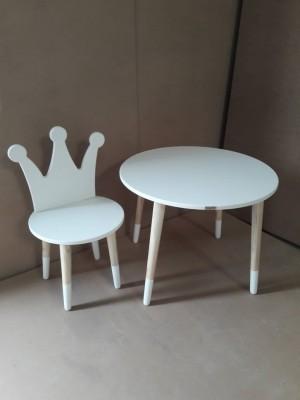 میز و صندلی تاج سفید