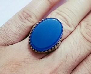انگشتر فاخر عقیق آبی بسیار خوشرنگ و فوق العاده-تصویر 3
