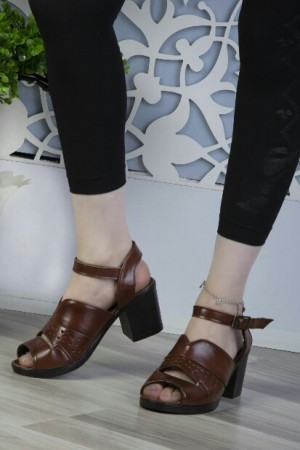 کفش زیبا تک رنگ