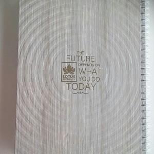 دفتر سیمی ۱۰۰ برگ جلد سخت طرح چوب-تصویر 4