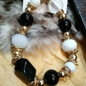 دستبند سیاه و سفید-تصویر 3