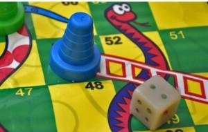 بازی منچ و مار سفره ایی-تصویر 4