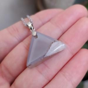 گردنبند عقیق نباتی طرح مثلث-تصویر 3