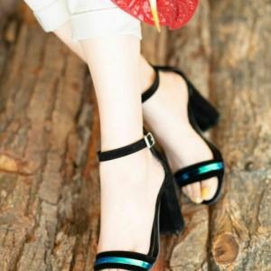 کفش پاشنه دار رویه هولوگرام