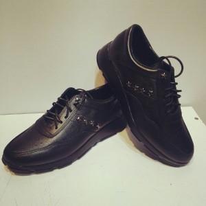 کفش کتونی چرم طبیعی مدل۶۹۱
