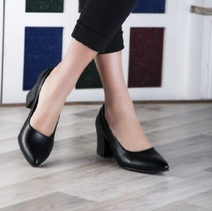 کفش پاشنه دار مجلسی چرم