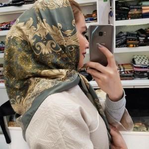 روسری ساتن