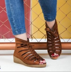 کفش تابستونی