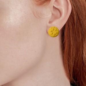 گوشواره میخی زرد رنگ-تصویر 2