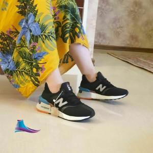 کفش کتانی نارسیس
