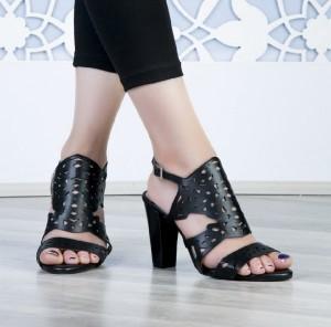 کفش کد ۸۲۳