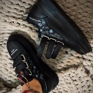 کفش ونس چسبی