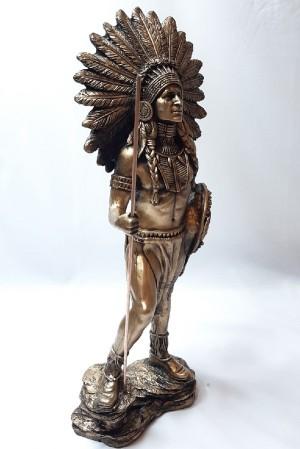 مجسمه سرخپوست ایستاده-تصویر 2