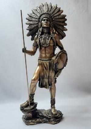 مجسمه سرخپوست ایستاده