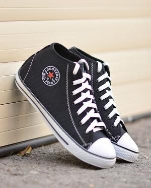 کفش کتانی آل استار